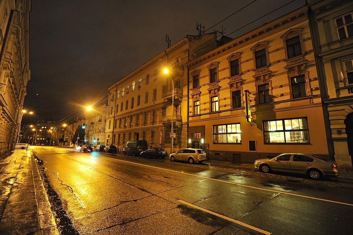 Hotel Arte v noci