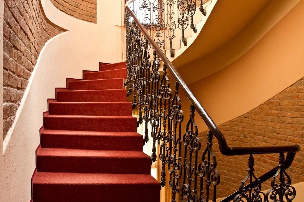 schodiště hotel Arte Brno
