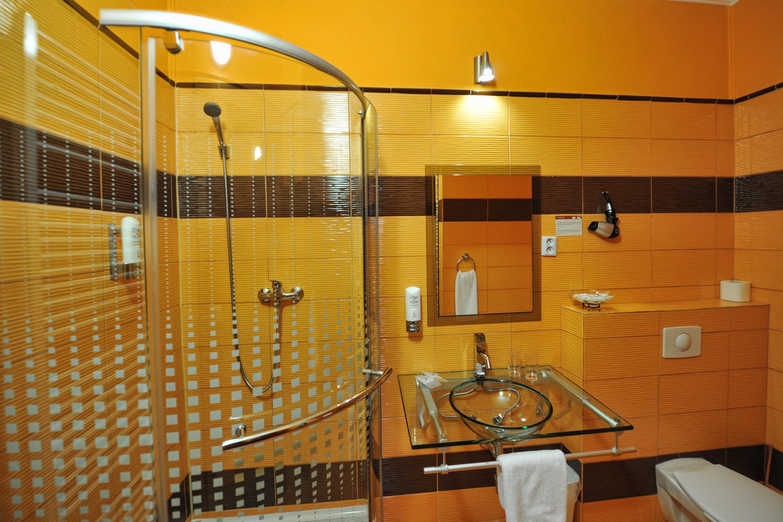 Standard Room koupelna, ubytování Brno